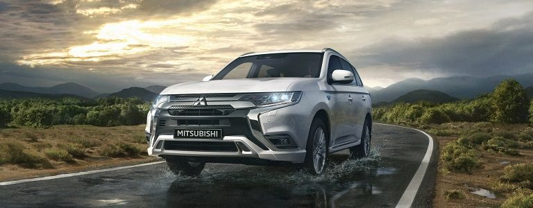 SUV Outlander PHEV hybride rechargeable
