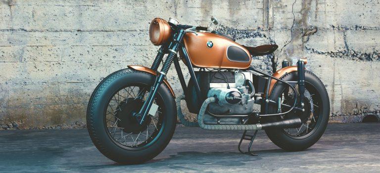 Réparer une moto avec des pièces détachés